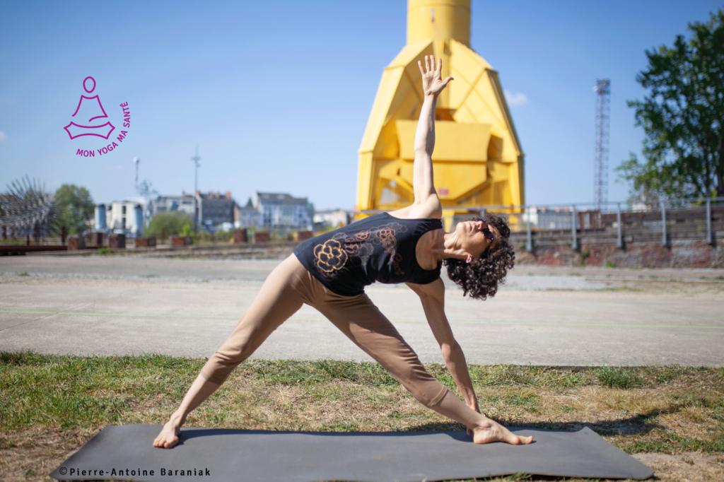 cours de yoga Iyengar en extérieur avec Gwenaëlle Bretagne
